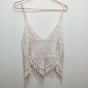 🦄 AE white crochet tank top